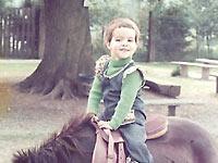 Bilder - Pferde - 1 - 1976 - Zum ersten Mal auf dem Pony